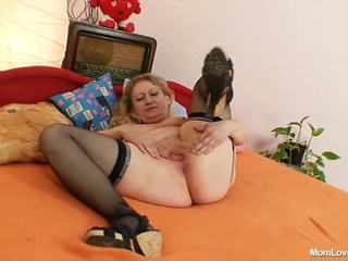 Indecent Old Grandma Cum-hole Spreading And Masturbation