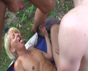 Cumshot European German  Outdoor Threesome