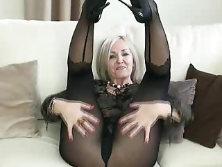 Mature Mom Pantyhose