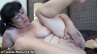 Fat Mature Wife Loves To Stick Her Own Part6