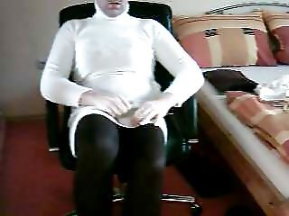 Crossdresser for Webcam posing