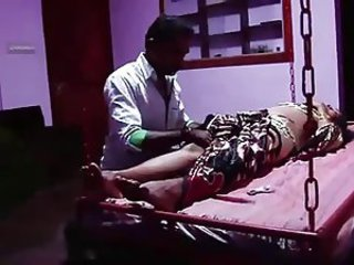 S.Indian Busty Mallu Aunty got Massage with her upstairs maid