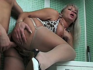 http%3A%2F%2Fwww.drtuber.com%2Fvideo%2F1234440%2Frussian-mature-and-much-younger-boy