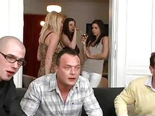 Beat Sex in grup Orgie Swingers Nevasta