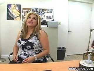 Casting Chubby Latina  Office