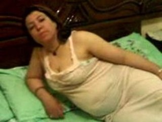 Amateur Arab Chubby Homemade Wife