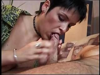 Dark-haired mommy proves she'...