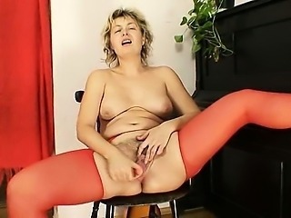 Chubby Hairy Masturbating Mature Mom Pantyhose