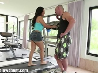 MommyBB Erotic mom Jessica Bangkok is BJing her innocent trainer!