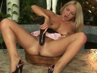 Work on testicles by hot babes free videos