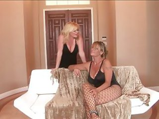 Milf Mature Ginger Lynn and Debi Diamond Lesbian