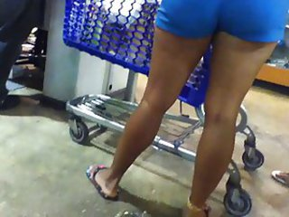 girl with big ass in supermarket 01