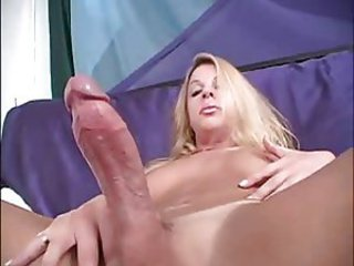 Shemale Makes Her Big Cock Cum
