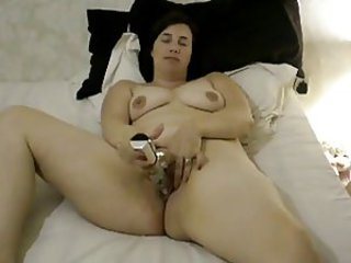 holly bringing off on every side vibrator