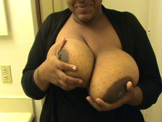 Amateur  Big Tits Ebony Mom Natural
