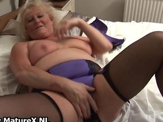 Fat Mature Housewife Is Horny And Plays Part3