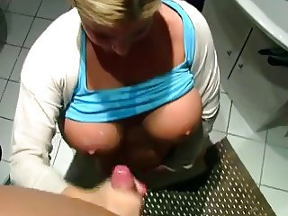 Amateur Big Tits Cumshot Girlfriend Handjob Natural Pov