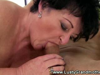 Fat amateur granny pussy pounded by guy