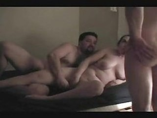 Amateur Chubby Cuckold Homemade  Threesome Wife