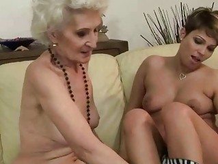 Young girl loves old pussy