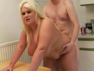 "BBW mom with giant natural saggy boobs"" class=""th-mov"