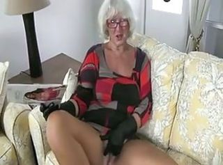 Granny Handjob 2 (Pizza Boy getting the proper Payment)
