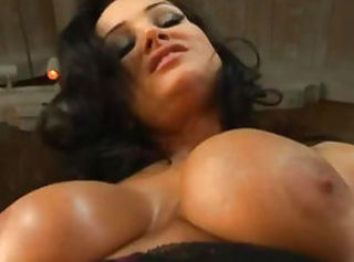 Lisa Ann gets her MILF pussy demolished