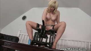 Milf Gets Poked By A Fucking Machine