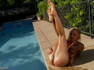Babe Legs Outdoor Pool Pornstar Solo