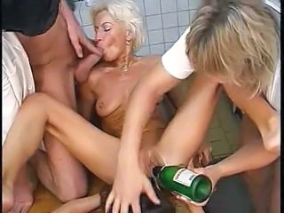 Two Hot Milfs And Two Young Studs Do Som...