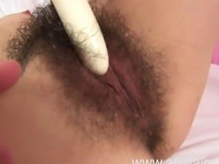Razor-sharp subfuscous detach from England Jennifer shows you her hairy bush. She touches...