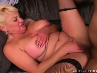 Chubby Mature Mom Natural Old and Young