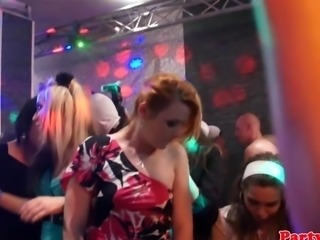 Real partying amateur fucks at orgy