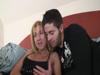 Mature Mom Old and Young Spanish