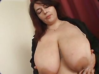 Big Tits Mature Mom Natural Nipples