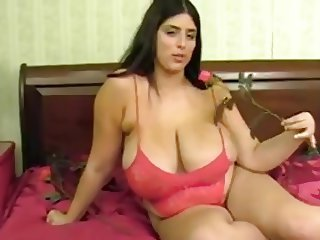 Big Tits  Mom Natural