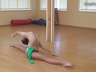 Flexible Gymnast Lata P & Naked Classic Workout