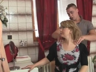 Smart male screws his mother-in-law