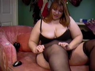 BBW Plunk Cick showing her body in the first place cam