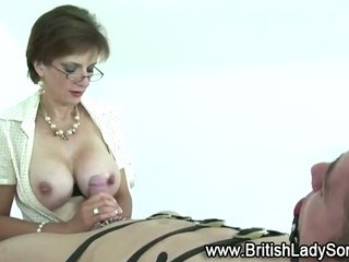 Mature Fetish Lady Sonia Gives Handjob