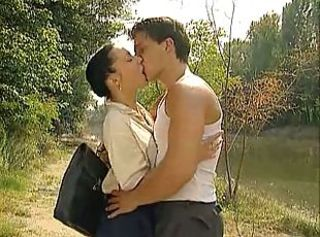 Kissing Outdoor Pornstar Vintage