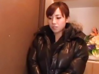 Azusa Nagaswaw enjoys shower sex
