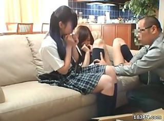 Jap schoolgirls get fingered