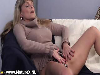 Older mature blond womain with nice...