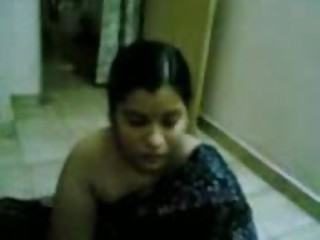 Sweet Aunty Showing Her Body - Jp Spl