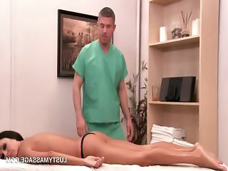 Surprising babe getting her sexy legs oil massaged