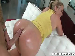 Amazing Ass Big cock Doggystyle MILF Oiled Pornstar