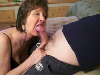 Milf Is Sucking My Dick! Real Amateur.f7...
