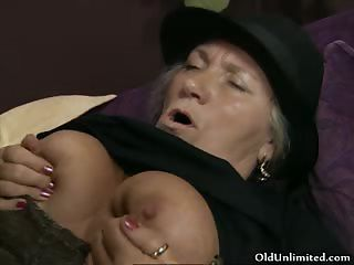 Horny Old Woman Gets Her Cunt Fucked