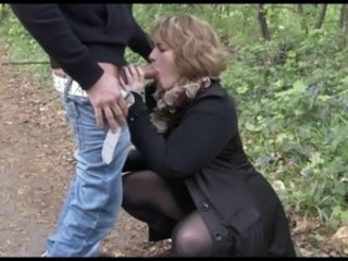 Blonde Amateur-BBW-Milf Outdoors